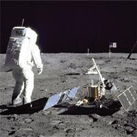 """Con người xả gần 190.000kg """"rác"""" trên Mặt trăng"""