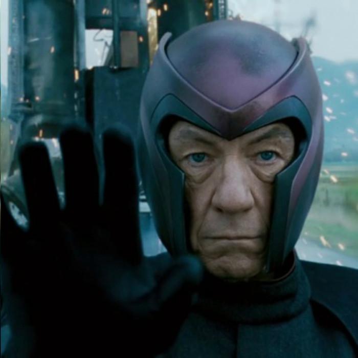Magneto - người từ trường trong loạt phim X-men, nguyên tác từ truyện tranh của hãng Marvel.