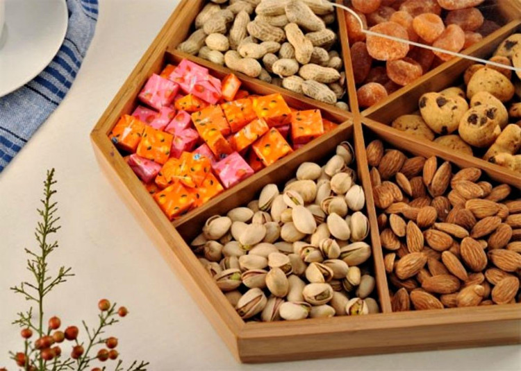 Người dân cần cẩn thận khi chọn mua và sử dụng thực phẩm để bảo vệ sức khỏe.