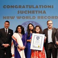 Cô bé 12 tuổi lập kỷ lục Guinness hát được 102 thứ tiếng hơn 6 giờ, có cả Tiếng Việt