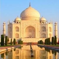 Lăng Taj Mahal chuyển thành màu vàng vì một lý do cực kỳ đáng ngại