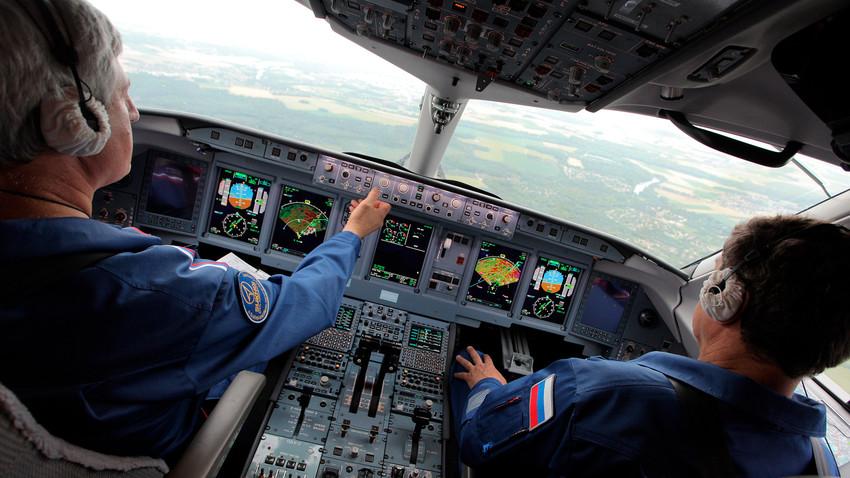 Phi công Nga nhiều lần chứng tỏ khả năng tuyệt vời của mình trong những tình huống ngặt nghèo buộc phải hạ cánh khẩn cấp