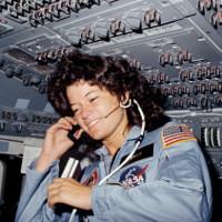 """Câu chuyện """"đến tháng"""" khi du hành vũ trụ lại một lần nữa khiến NASA đau đầu"""