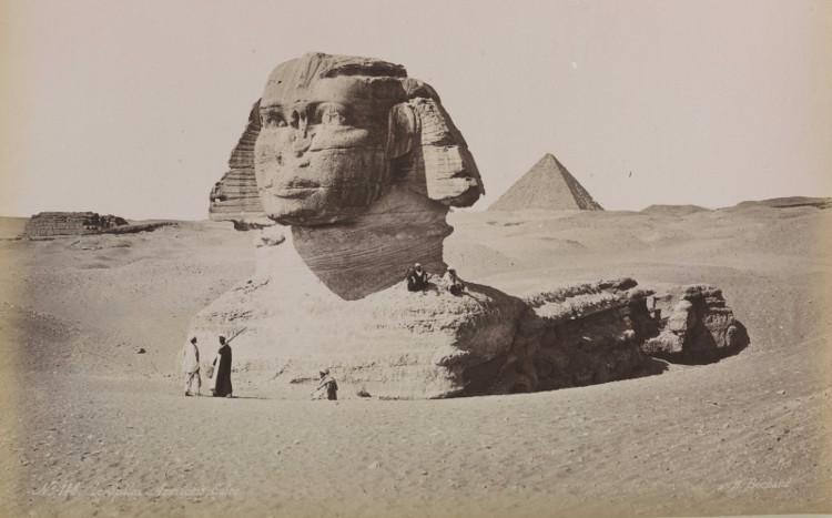 Bức tượng Nhân sư chụp những năm 1880.