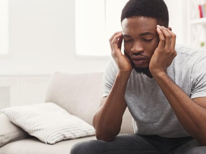 Một số triệu chứng toàn thân khi mắc cúm là sốt, nhức đầu, mệt mỏi và đau cơ.