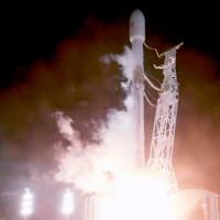 SpaceX phóng thành công 2 vệ tinh phát Internet, thử nghiệm dự án phát Internet toàn cầu