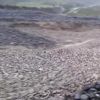 Sông đá quét qua hẻm núi New Zealand sau trận bão lớn