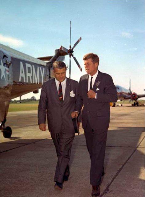 Von Braun và Tổng thống John F. Kennedy