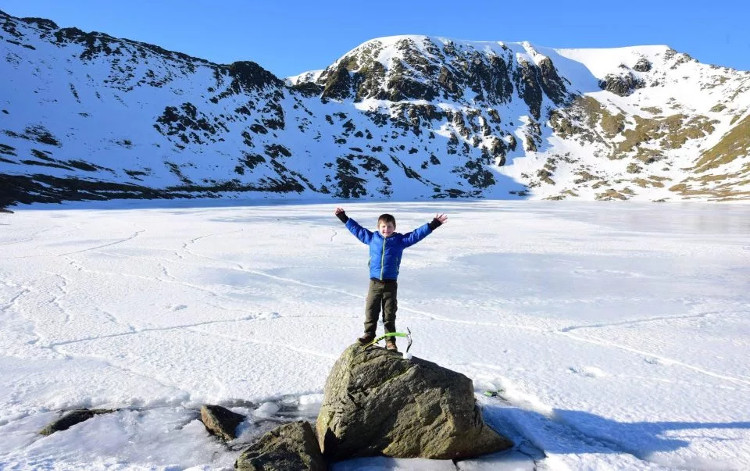 Tuyết phủ trắng khu vực Lake District, Cumbria.