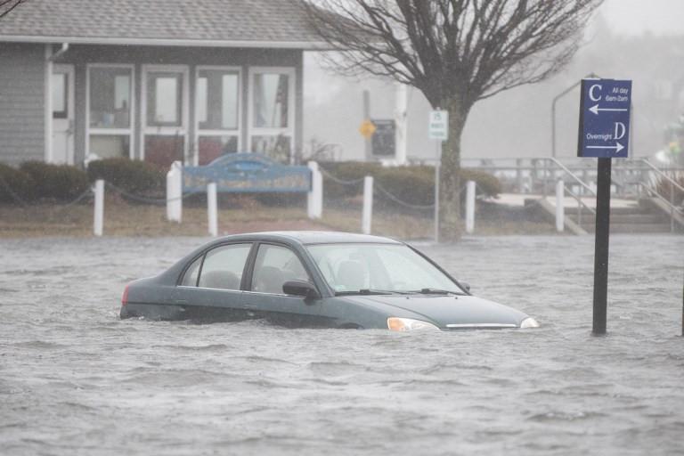 Các thành phố tại bang Massachusetts đang ngập nặng.