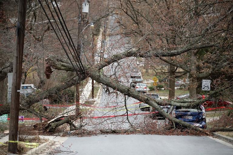 Mưa to và gió lớn đã gây ảnh hưởng nghiêm trọng tới hệ thống năng lượng tại các bang Đông Bắc của Mỹ.