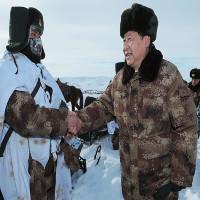 Trung Quốc thiết kế áo giữ nhiệt mô phỏng lông gấu Bắc Cực