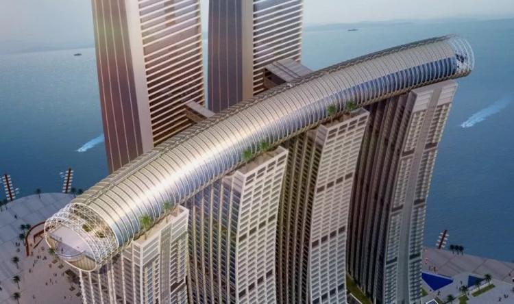 Cây cầu trên không nối giữa 4 tòa tháp có hình dáng giống một tòa nhà chọc trời nằm ngang.