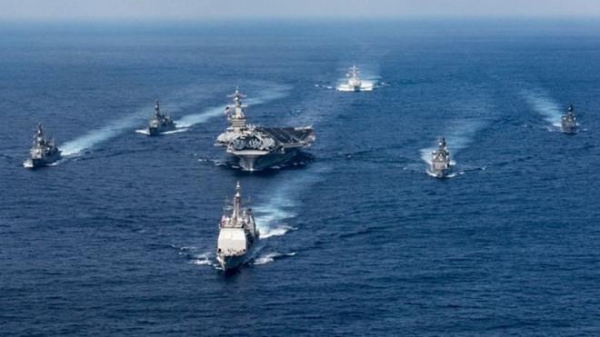 Nhóm tác chiến tàu sân bay USS Carl Vinson của Mỹ trên Biển Đông.