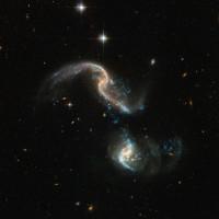 Vụ va chạm thiên hà cách Trái đất 350 triệu năm ánh sáng