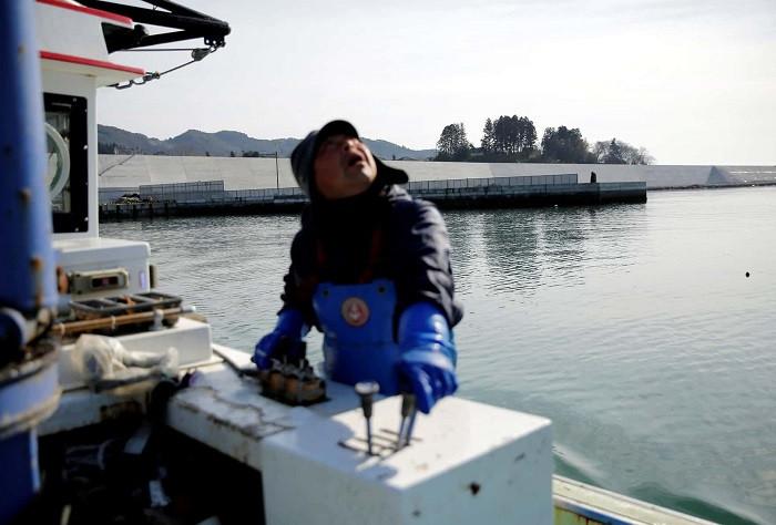Ông Atsushi Fujita, ngư dân chuyên nuôi trồng hàu