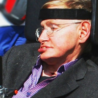 """Hack"" não giáo sư Stephen Hawking"