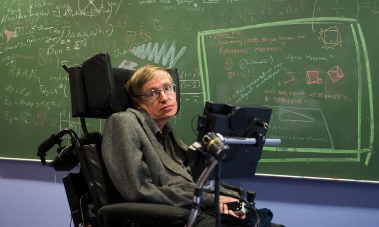 Giáo sư Stephen Hawking.