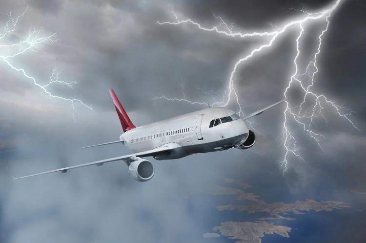 Làm thế nào để máy bay có thể an toàn trước sét là điều mà các nhà nghiên cứu luôn hướng đến.