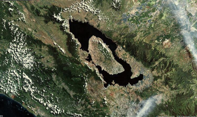 Dấu tích còn lại của đại thảm họa là Hồ Toba