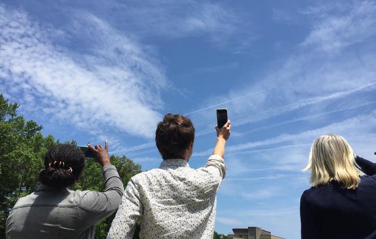 NASA muốn người dùng gửi cho họ các bức ảnh chụp mây từ mặt đất để so sánh dữ liệu.