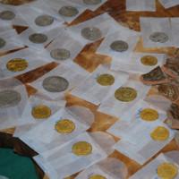 Nồi cổ chứa hàng trăm đồng tiền vàng và bạc ở Hà Lan