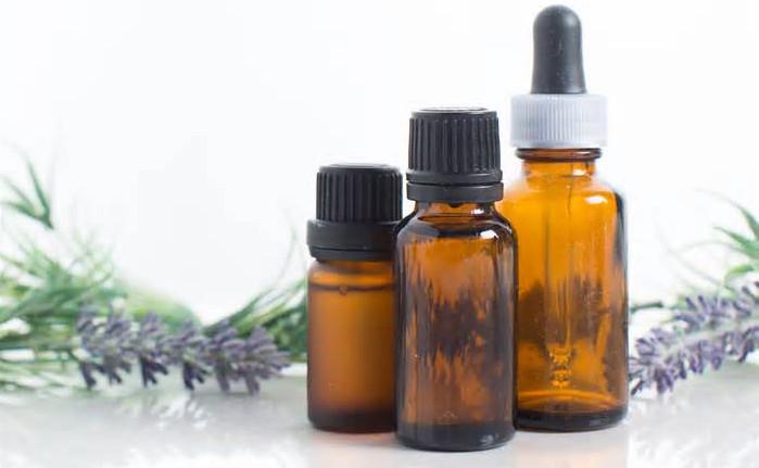 Một số tinh dầu được pha chế vào mỹ phẩm có thể khiến nam giới gặp những bất thường trong phát triển vú.