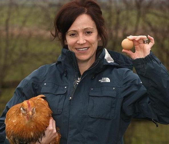 Trước đó, trên eBay từng rao bán một quả trứng với hình dáng tương tự với mức giá 480 bảng Anh