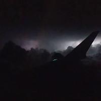 Bão đêm nhìn từ máy bay ở Mỹ