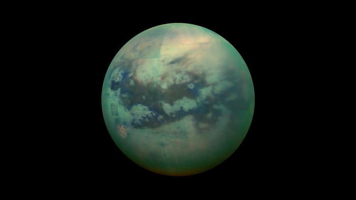 Titan - vệ tinh lớn nhất của sao Thổ và lớn thứ 2 trong Hệ mặt trời