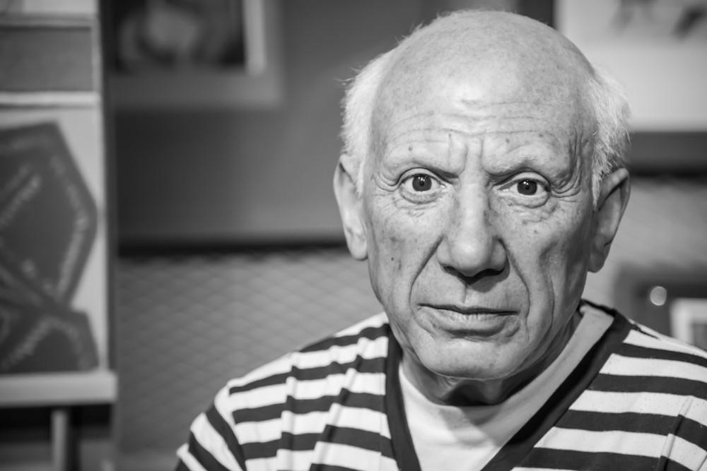 Picasso là 1 trong 2 người sáng lập trường phái lập thể trong hội họa và điêu khắc.