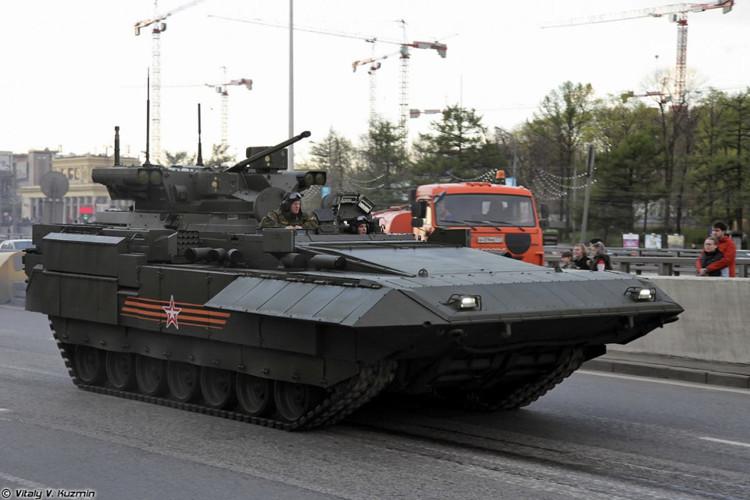 Xe chiến đấu bộ binh hạng nặng T-15 Armata, còn được gọi là Kẻ hủy diệt 3 vì có nhiều tính năng tương tự
