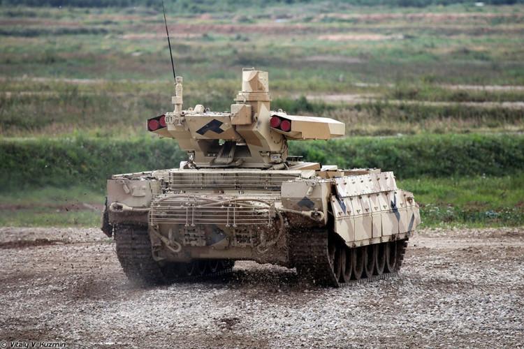 Hệ thống quan sát của xe có thể phát hiện mục tiêu cỡ xe tăng ở cự ly 7.000m.