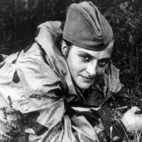 Nữ xạ thủ chết chóc nhất thế giới khiến quân Hitler sợ khiếp vía