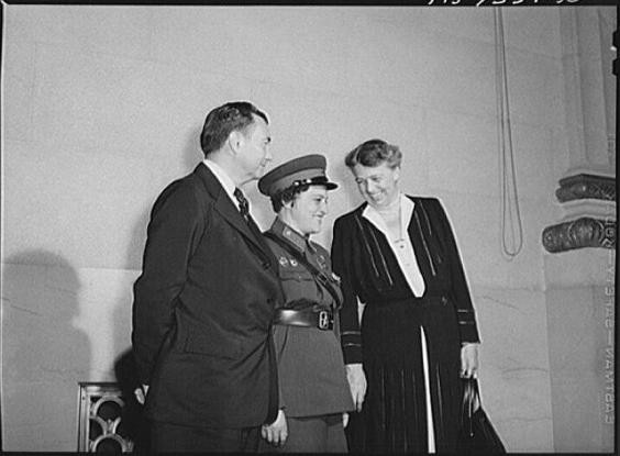 Pavlichenko là người lính Xô viết đầu tiên đến thăm Nhà Trắng.