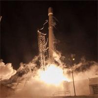 Tên lửa Falcon 9 của SpaceX làm thủng tầng ly điện của Trái Đất