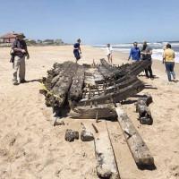 Kỳ lạ: Tàu ma mất tích 200 năm bỗng xuất hiện trên bãi biển