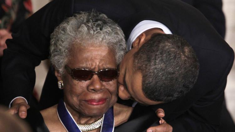 Năm 2008, một lần nữa bà Maya Angelou vinh hạnh được mời đọc thơ tại lễ nhậm chức của Tổng thống Mỹ Barack Obama.