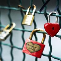 Chuyện tình buồn đằng sau những chiếc khóa tình yêu ở khắp nơi trên thế giới