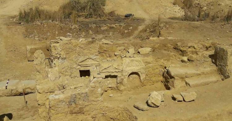 Dấu tích đền thờ theo phong cách kiến trúc Hy Lạp-La Mã cổ đại tại Ốc đảo Siwa.