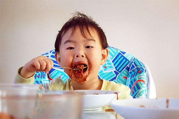 Trẻ em Nhật Bản ăn rất nhiều thứ trừ thực phẩm nhiều chất béo