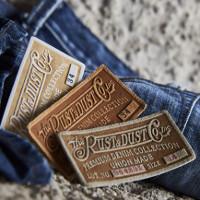 Đố bạn biết, miếng da đằng sau cạp quần jeans có công dụng gì?