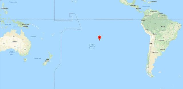 Chấm đỏ là vị trí phát hiện đàn chim cánh cụt Gentoo sống trên đảo rác