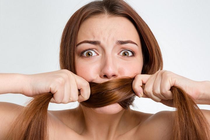 Tốt nhất bạn nên hạn chế nói bí mật cá nhân cho những người tỏ ra quá lịch thiệp hay nhiệt tình với bạn.