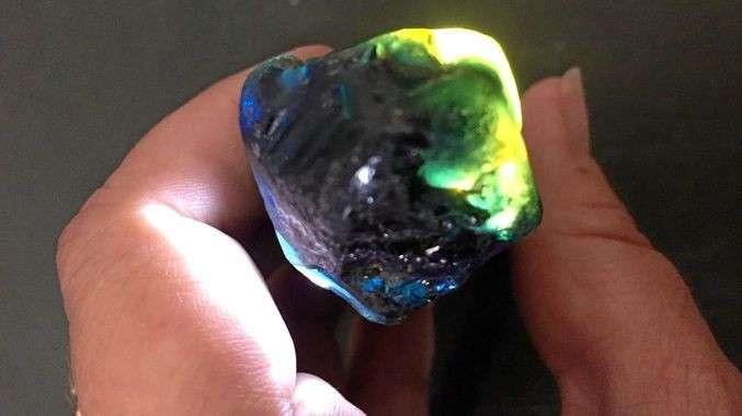 Viên đá quý