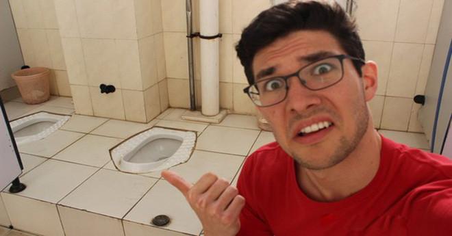 Những nhà vệ sinh ở Châu Á đôi khi là ác mộng với người Phương Tây.
