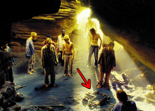 Khi đốt lửa trong hang, nhiệt độ sẽ làm cho đá giãn nở và dễ gây hiện tượng sập hang.
