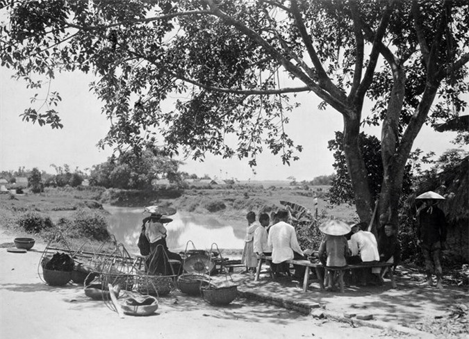 Quán nước ven đường ở Bắc Ninh, thập niên 1930-1940.