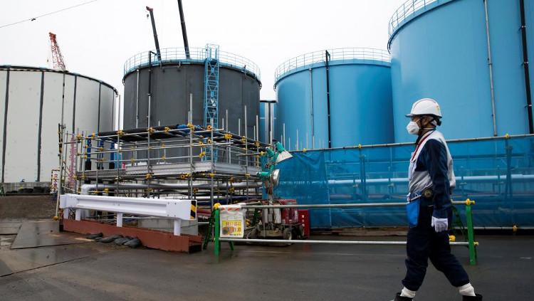 Các bể chứa nước nhiễm phóng xạ đã được xử lý một phần tại Fukushima.