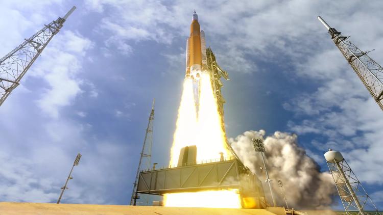 Hệ thống phóng tên lửa đẩy của NASA ở Trung tâm Vũ trụ Kennedy, Florida.